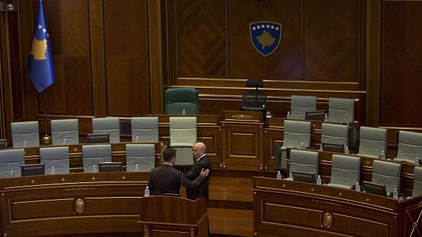 Le Kosovo se dote enfin d'un nouveau gouvernement