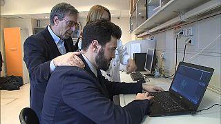 Coronavirus: italiani campioni della ricerca senza soldi