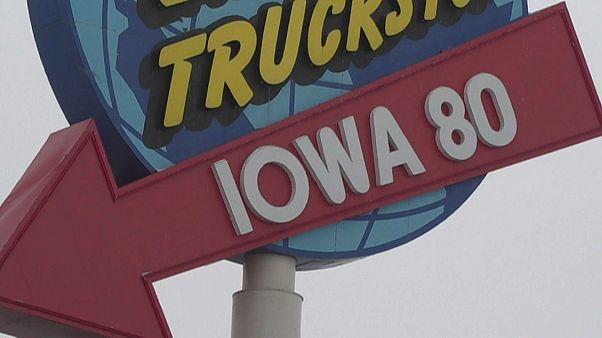 Democratas iniciam escolha do candidato à presidência no caucus do Iowa