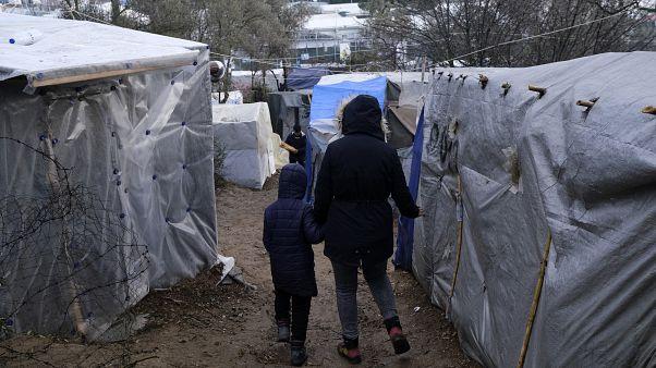 El Parlamento griego aprueba una ley que obliga a las ONGs a pasar por un registro gubernamental