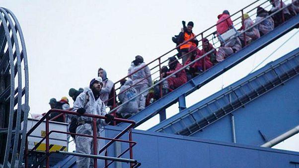نشطاء معارضون لاستغلال الفحم الحجري يقتحمون منشأة تعتمد على الفحم ويحتلونها في ألمانيا - 2020/02/02
