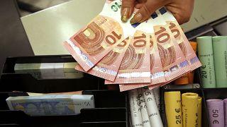 2019 yılında  yıllık enflasyon AB'de yüzde 1,6; Türkiye'de ise yüzde 11,8 oldu