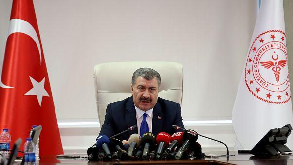 Sağlık Bakanı Fahrettin Koca, Koronavirüs Bilim Kurulu toplantısı öncesi gazetecilere gündeme dair açıklamalarda bulundu. ( Raşit Aydoğan - Anadolu Ajansı )