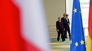Kurz in Berlin: Merkel beharrt auf Finanztransaktionssteuer