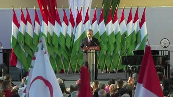 Le destre italiane (ed europee) si contendono Viktor Orban