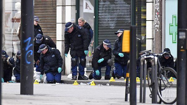 Governo britânico 'aperta' leis contra terroristas