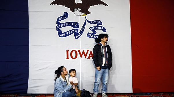 Iowa Democrats under fire after botching release of caucus results