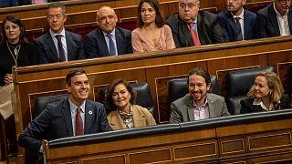 España aprueba la subida del salario mínimo a 950 euros que afecta a 2 millones de trabajadores