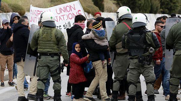 Lesbos: Flüchtlingsunruhen, aber kein Ausnahmezustand