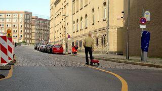 Alman sanatçıdan 99 telefonla Google Maps'e manipülasyon: Boş yollar kırmızıya büründü