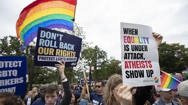 المثلية الجنسية: أيهما أكثر تقبلا في المجتمع المثليون أم المثليات؟