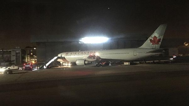 اطلاع رسانی مسافران از داخل هواپیمای کانادایی سرگردان در آسمان اسپانیا