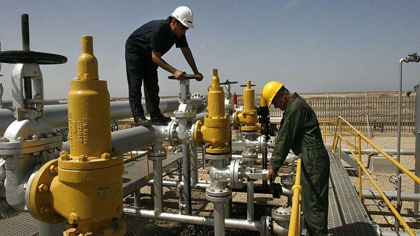 کاهش ۱۶ دلاری بهای نفت سنگین ایران؛ کرونا با تحریمهای آمریکا همدست شد