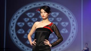 18-24 Şubat tarihleri arasında düzenlenecek Milano Moda Haftası, koronavirüs (2019-nCoV) krizi nedeniyle zor günler geçiren Çin'e destek kampanyası başlattı.