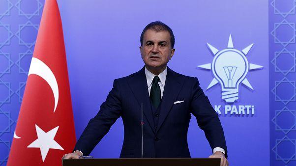 AK Parti Sözcüsü Ömer Çelik, AK Parti Merkez Yürütme Kurulu (MYK) toplantısı devam ederken, basın mensuplarına açıklamalarda bulundu
