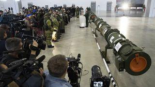 وزارة الدفاع الروسية  تعرض  صاروخ كروز الأرضي 9M729، في كوبينكا خارج موسكو، روسيا