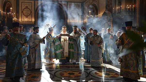 قداس في كاتدرائية المسيح المخلص في موسكو