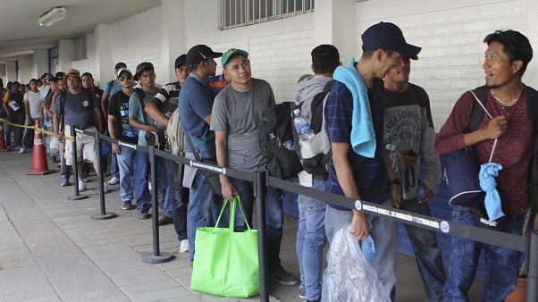 El Salvadorlu göçmenler