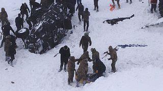 Τραγωδία στην Τουρκία: Χιονοστιβάδες προκάλεσαν δεκάδες θύματα-Ανάμεσά τους και διασώστες