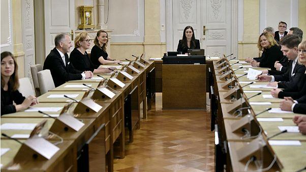 فنلاند به پدران به اندازه مادران مرخصی تولد فرزند میدهد