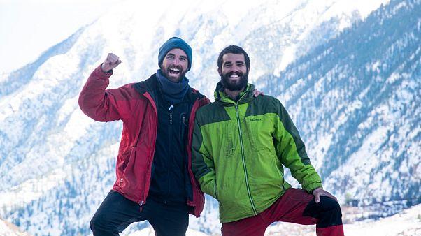 Dos españoles baten el récord al ser los más jóvenes en cruzar el Himalaya