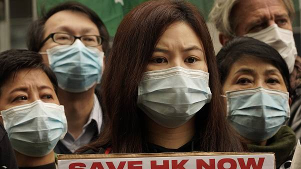 Hong Kong ile Çin arasındaki sınırın kapatılmasını talep eden Hong Konglu sağlık personeli