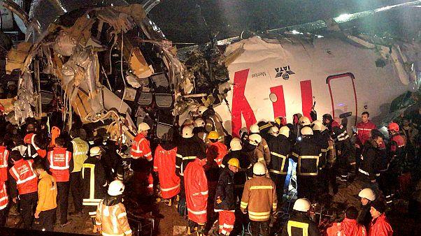 Sabiha Gökçen Havalimanı'na iniş yapan bir uçak pistten çıktı
