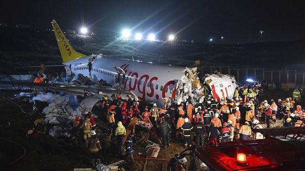 120-an megsérültek, amikor kicsúszott a kifutóról egy gép Isztambulban, halálos áldozat nincs