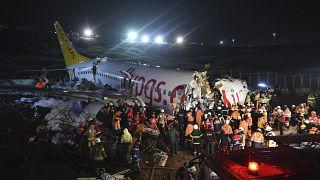Bruchlandung in Istanbul: 3 Tote, fast alle verletzt