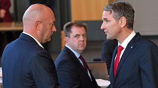 Hür Demokrat Partisi'nden Thomas Kemmerich ve AfD parlamento parti lideri Bjoern Hoecke