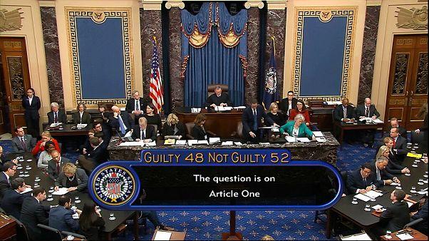 ABD Başkanı Donald Trump, Senato'da yapılan azil soruşturması oylamasında aklandı
