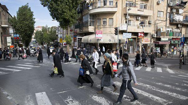 أحد شوارع حي مئة شعاريم بالقدس الغربية. 10/12/2017