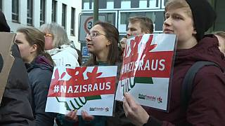 """""""Schande"""" oder """"Demokratie"""" - 4 Pressestimmen zu Thüringen"""