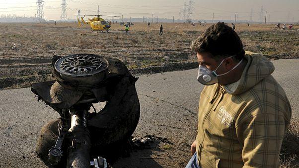 وزیر خارجهٔ کانادا به ظریف: جعبهٔ سیاه هواپیمای اوکراینی را تحویل دهید