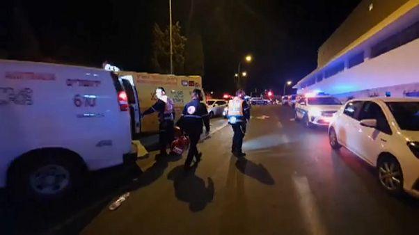 Ataque com carro contra sodados israelitas em Jerusalém