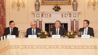 Szijjártó Péter, Jacek Czaputowicz lengyel és Mike Pompeo amerikai külügyminiszter a Vallásgyakorlás Szabadságának Nemzetközi Szövetségének ülésén