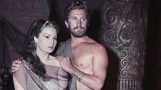 کرک داگلاس، اسپارتاکوس سینما در ۱۰۳ سالگی در گذشت