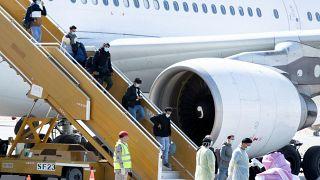 عودة بضعة طلبة سعوديين إلى المملكة قادمين من ووهان الصينية. 2020/02/02