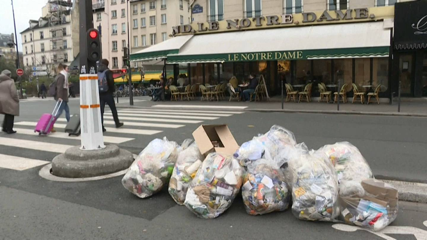 Paris no longer perfumed as striking rubbish collection workers leave stink  across city | Euronews