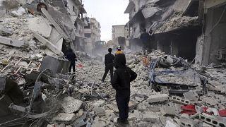 جهود الإنقاذ في بلدة أريحا التابعة لإدلب السورية بعد غارات روسية، 30 يناير 2020