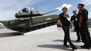 A T-14 Armata orosz harckocsi a Nemzetközi Haditechnikai Fórumon 2019. június 25-én