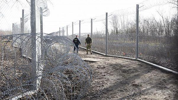 Macaristan göçmenleri caydırmak için aç mı bırakıyor?
