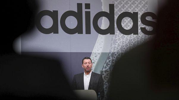 Koronavirüsten dolayı Çin'de mağaza kapatanlara Adidas da eklendi