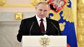 الكرملين يخضع المشاركين في اجتماعات بوتين للفحص خوفا من فيروس كورونا