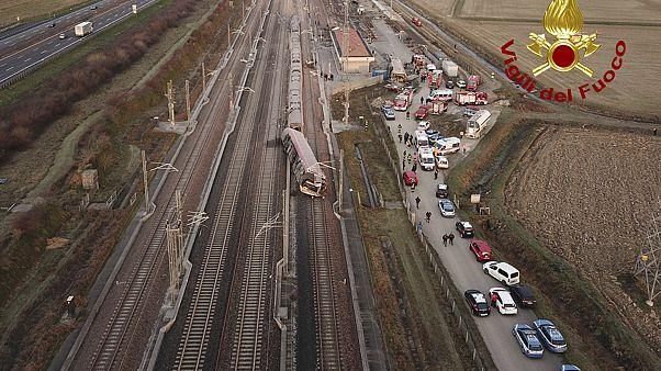 خروج از ریل یک قطار سریع السیر مسافربری ایتالیا دو کشته برجا گذاشت