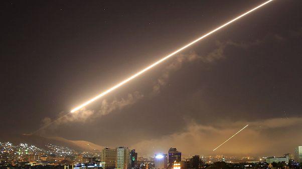 المرصد: ارتفاع حصيلة قتلى القصف الاسرائيلي على سوريا إلى 23 بينهم ثمانية جنود