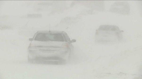 Orkan und Schneesturm auf dem Balkan