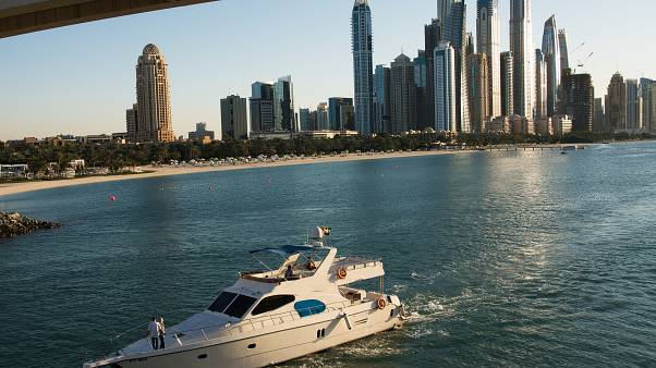 الانكماش يهدد اقتصادات دول منطقة الخليج بسبب أزمة كوفيد-19