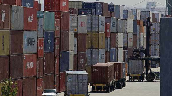 Ticaret Savaşları: Çin ABD'ye uygulanan ilave gümrük vergilerini düşürüyor