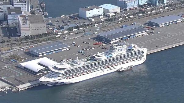 Coronavirus: aumentano le persone infette a bordo della nave da crociera in Giappone